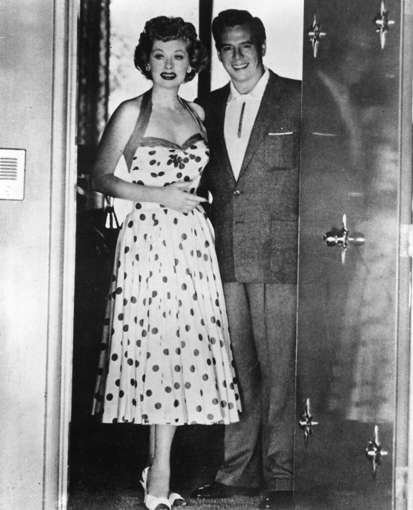 Lucille ball and desi arnaz in the doorway of their palm s for The lucy house palm springs