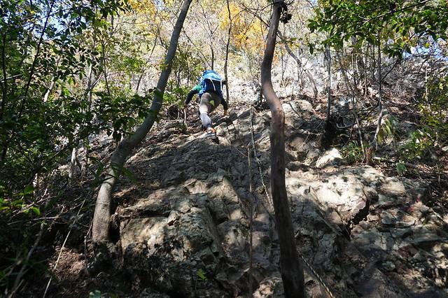 古賀志山 北コースの岩場