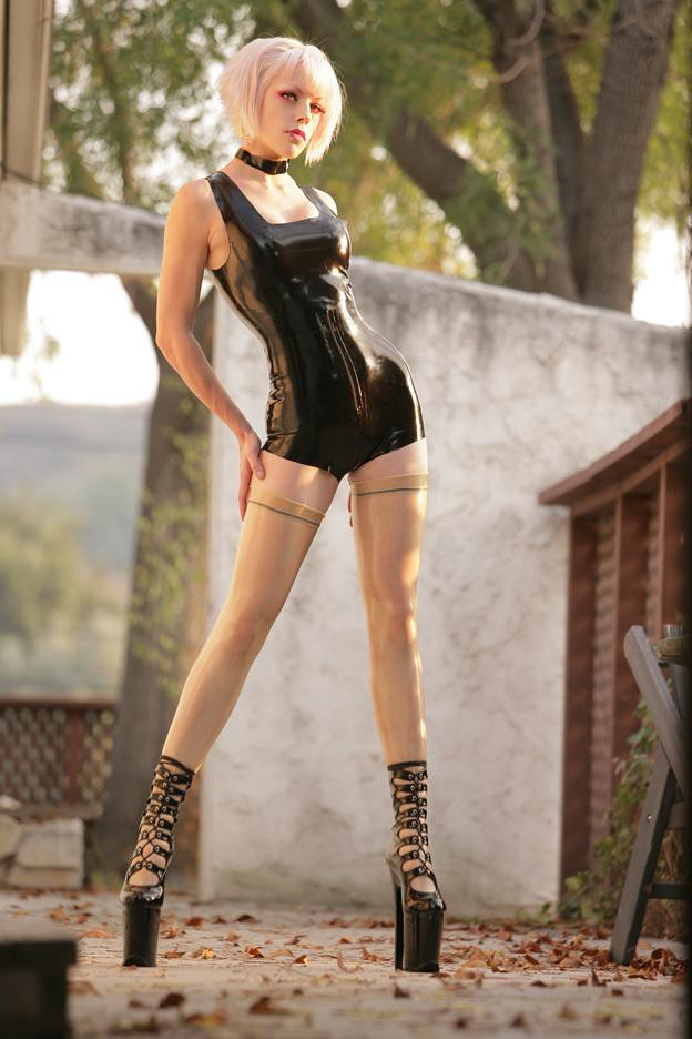 Pia Kaamos In Black Latex By Michael Helms   Beautiful -6897