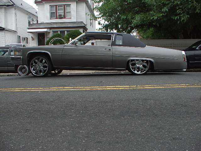 1979 Cadillac Coupe Deville Lowrider