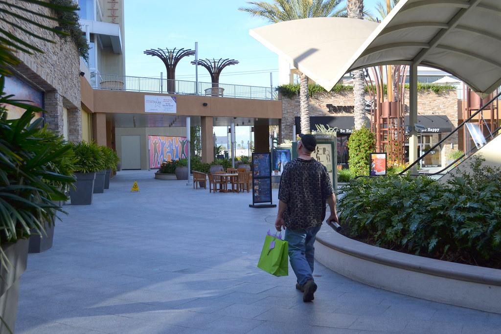 """Garden Walk Mall Anaheim: Don At Anaheim's """"Garden Walk"""" Mall."""