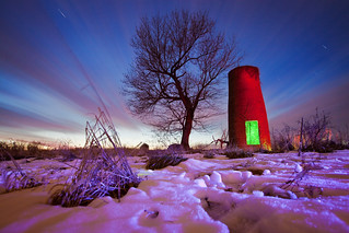 Red Silo; Green Light | by Notley