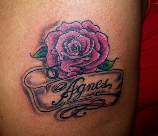 Oid school rose with banner and mom 39 s name for Mom name tattoos