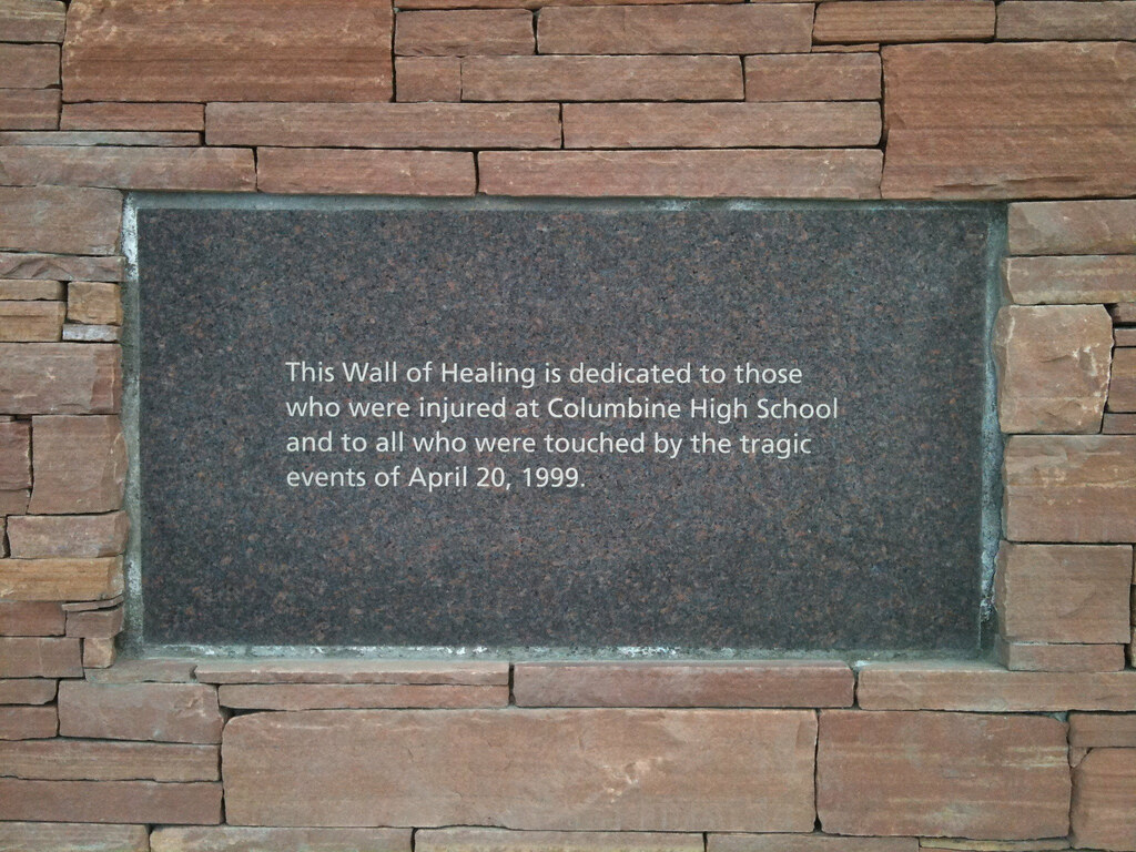 columbine memorial this wall of healing is dedicated