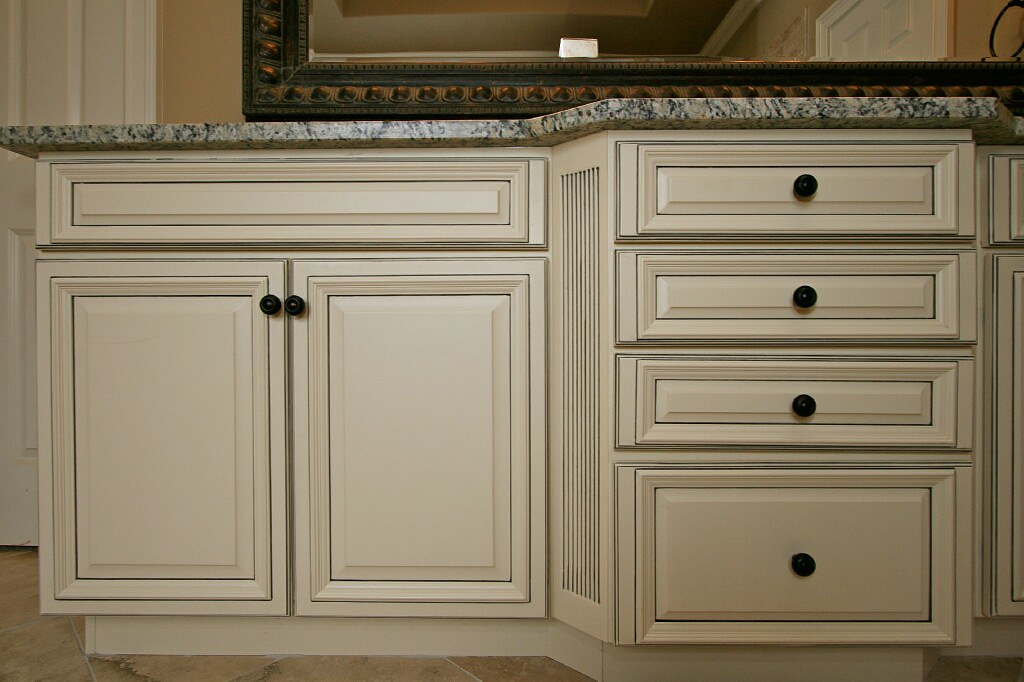 Franklin French Vanilla Charcoal Pen Glaze Cabinets | Flickr
