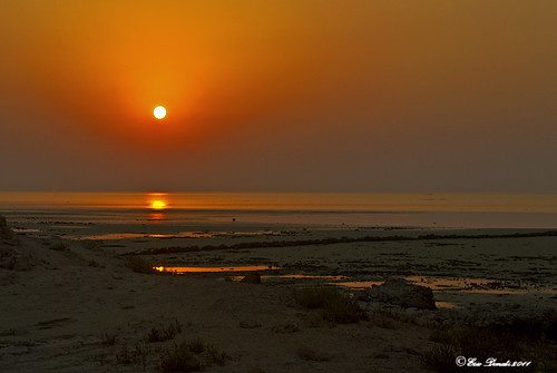 TRAMONTO  : ROSSO E ORO  SUL DESERTO E IL MARE : L'INFINITO    ----    SUNSET  :  RED AND GLOD   ON THE DESERT AND ON THE SEA  :  THE INFINITE | by Ezio Donati