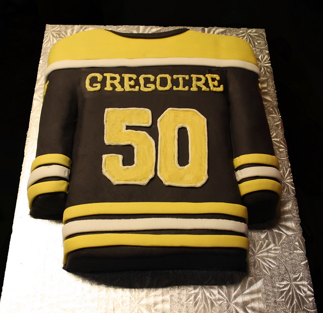 Bruins Jersey Cakes