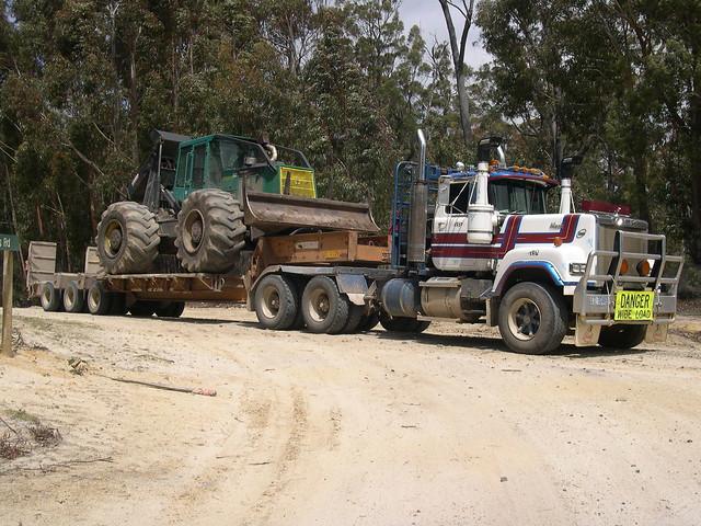 Tassie log truck