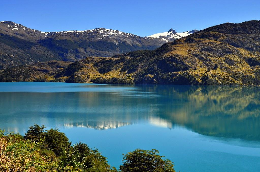 Exploradores De La Patagonia: Lago Tranquilo - Patagonia Chilena