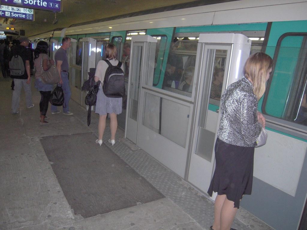 metro ligne 13 la ligne 13 du m tro de paris est l 39 une des flickr. Black Bedroom Furniture Sets. Home Design Ideas