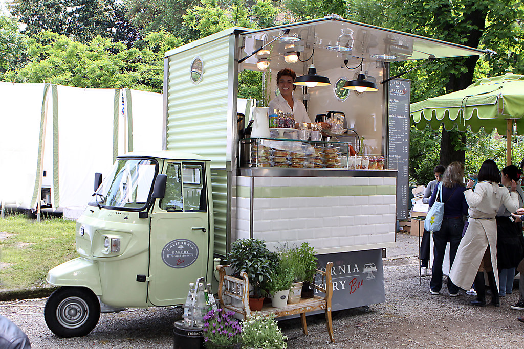 Food Trucks In Dewey Square
