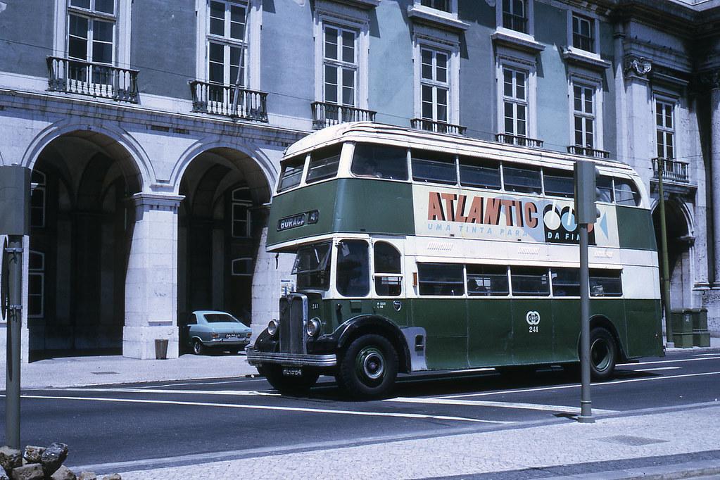 Autocarro da Buraca, Lisboa (J.-H. Manara, 1972)