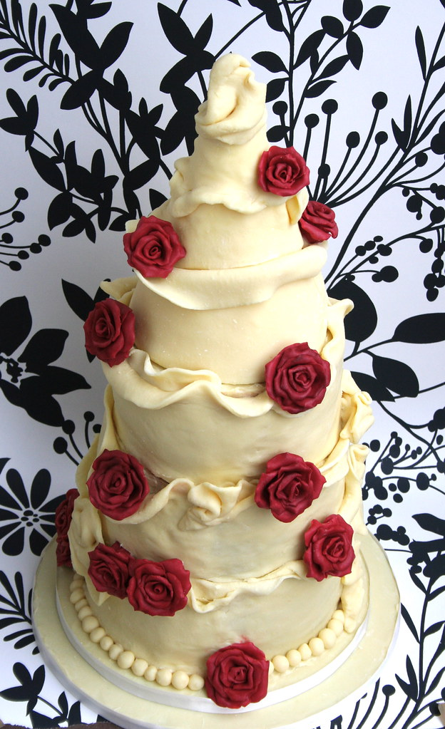 White Chocolate Amp Burgundy Rose Wedding Cake Wedding