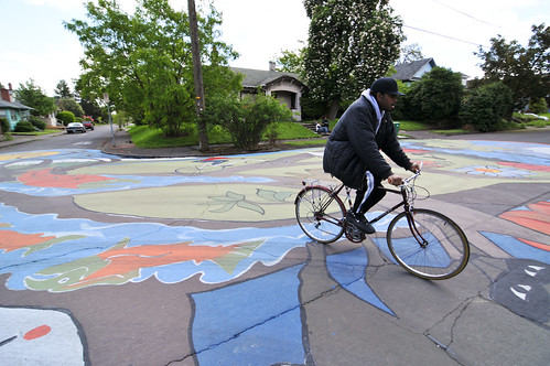 Intersection painting on NE Holman-4-4
