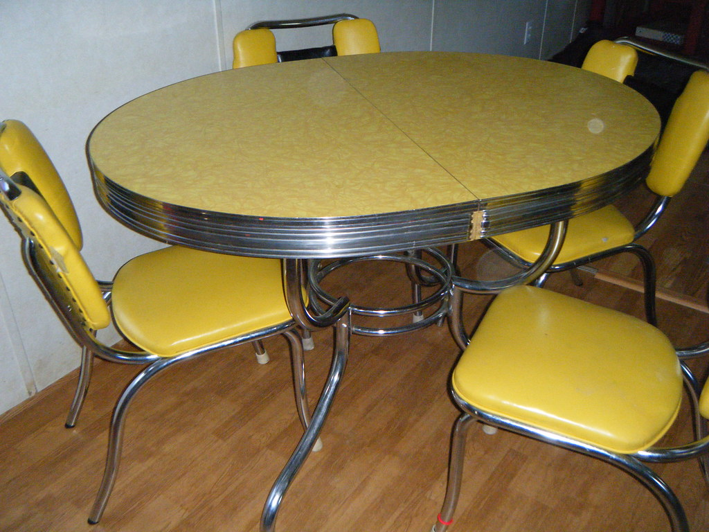 Yellow Formica Garage Sale Table Chairs Need A Redo But