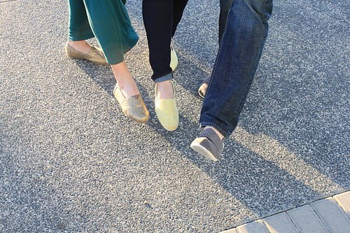 toms shoes quot style your sole quot quot walk without shoes