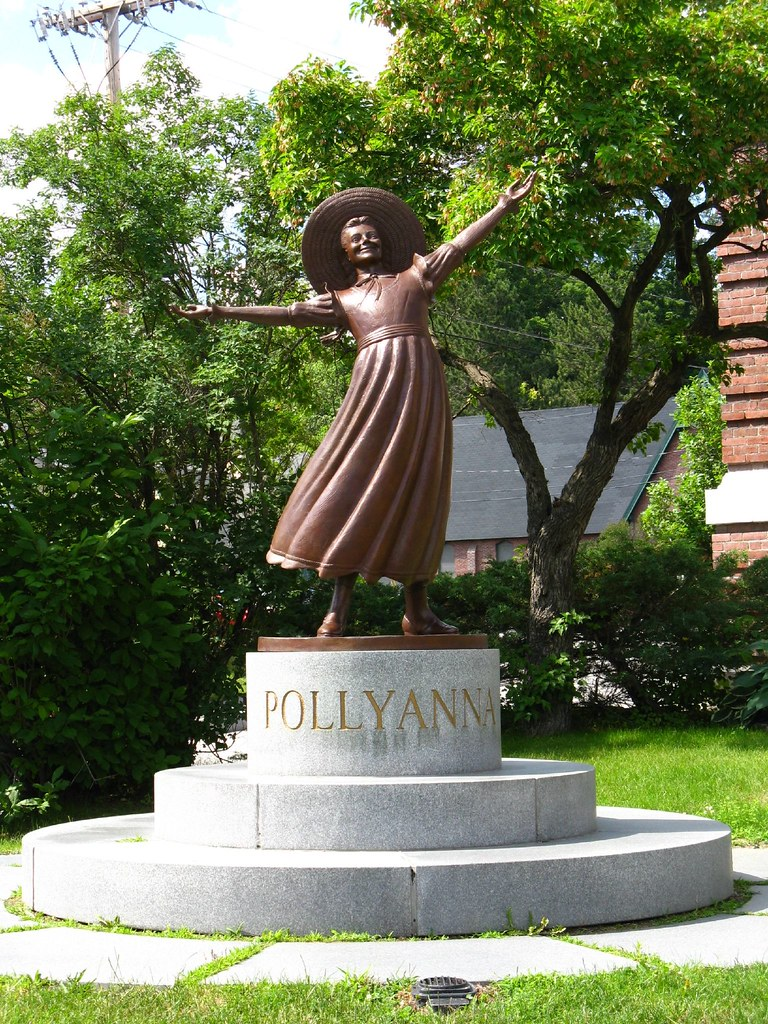 Littleton New Hampshire Pollyanna Statue In Fron Of The