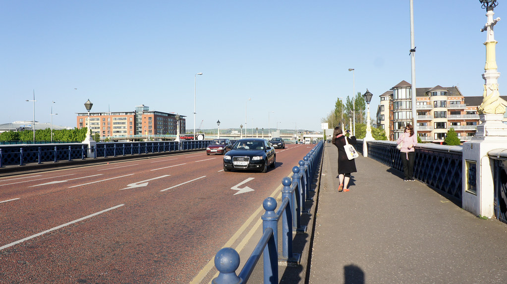 2011 PHOTOGRAPH OF QUEENS BRIDGE IN BELFAST 006