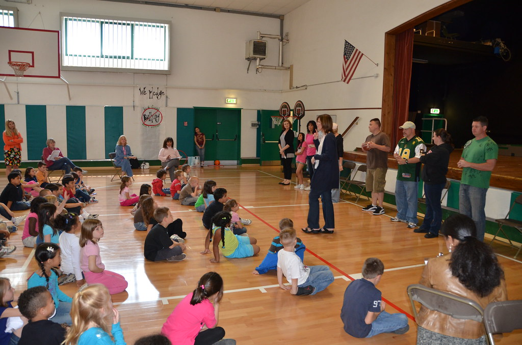 Anti bullying parents act out skits to illustrate ways liv