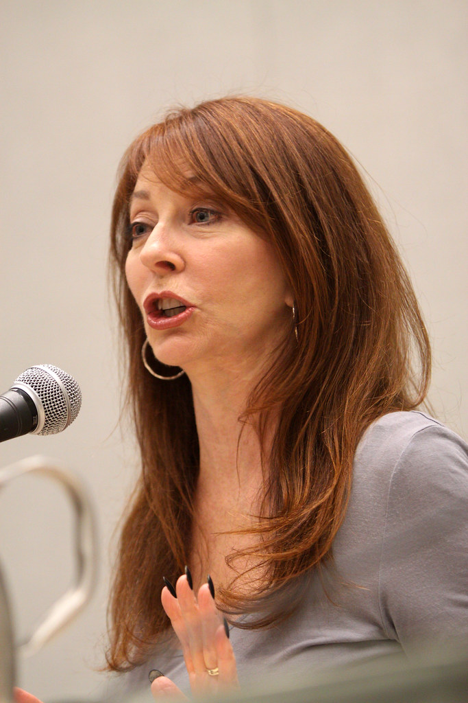 Phoenix >> Cassandra Peterson | Cassandra Peterson, on the Elvira panel… | Flickr