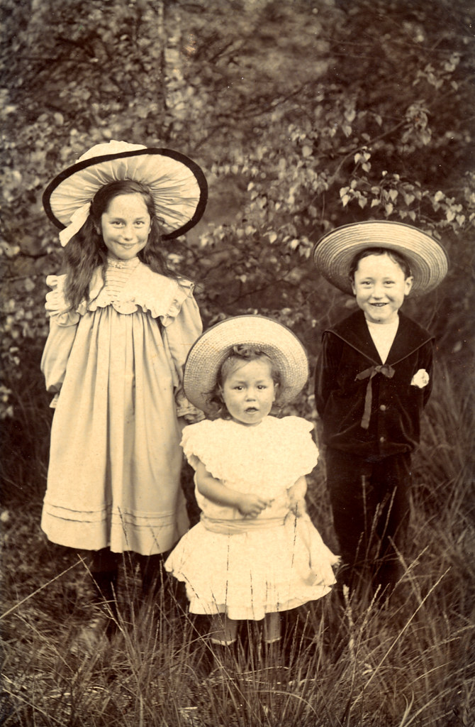 smiling edwardian children in hats found image i expect
