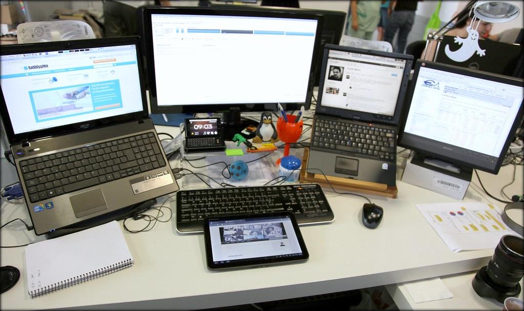Mi mesa de trabajo en la oficina mi nuevo juguete en la for Follando en la oficina gratis