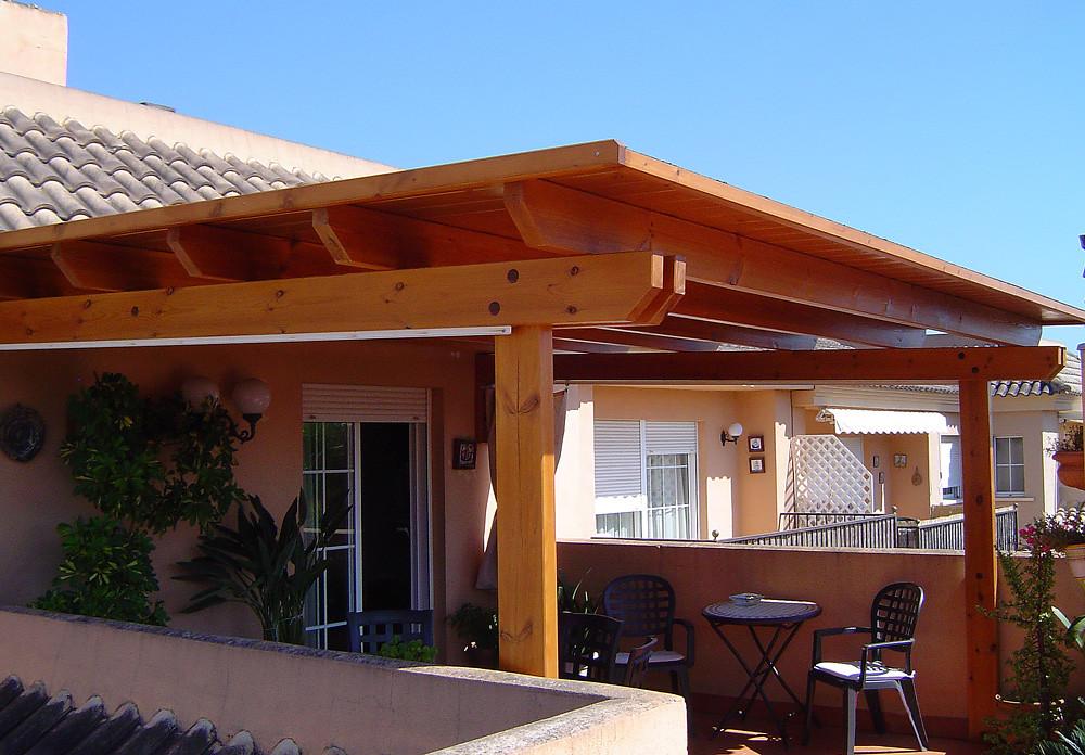 P rgola de cubierta de madera la amplia gama de acabados - Pergola terraza atico ...