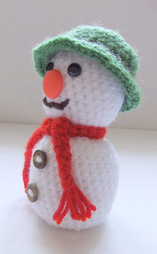 Amigurumi Snowman Ornament : Amigurumi Snowman Crochet Pattern (II) Handmade ...