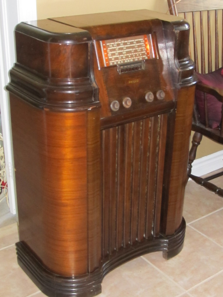 Canadian Philco Model 53a Tube Radio I Bought This