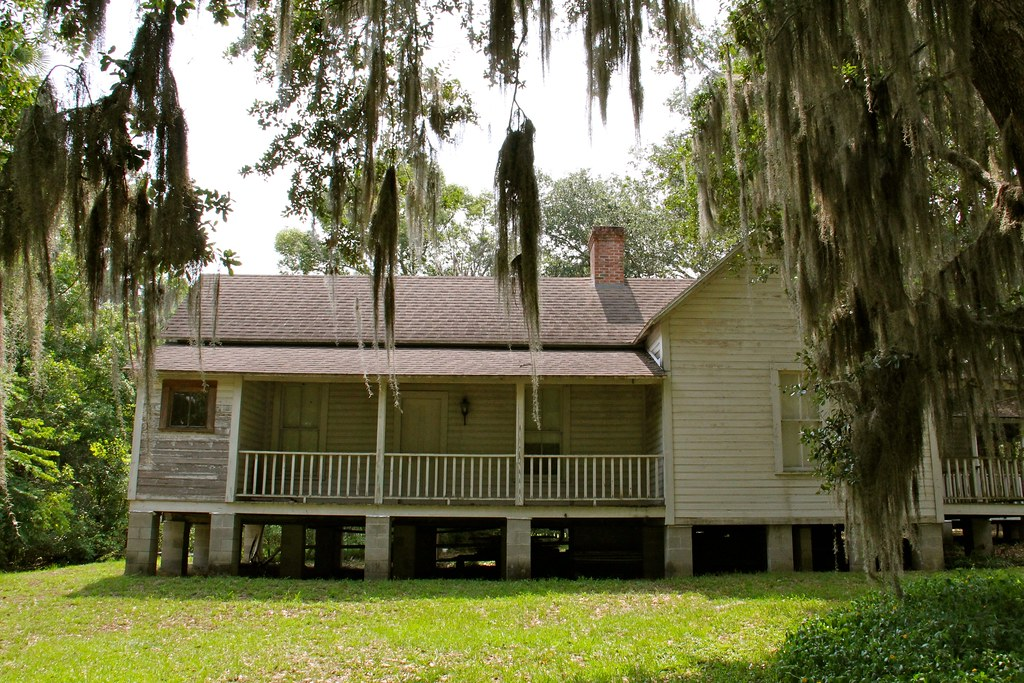 Florida cracker style home in mcintosh fl see my blog for Cracker style house