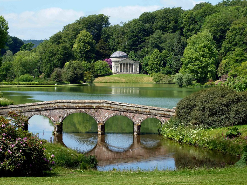 Stourhead gardens i apologise for yet another image of for Imagenes de jardines hermosos