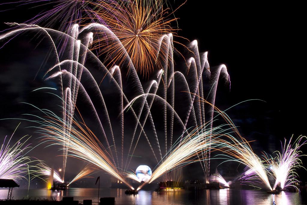 walt disney world  epcot fireworks show