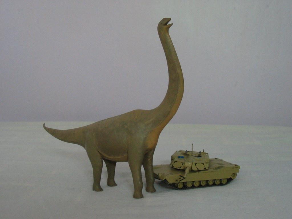 Argentinosaurus vs M1 Abrams tank | Would a 60 ton M1 ...
