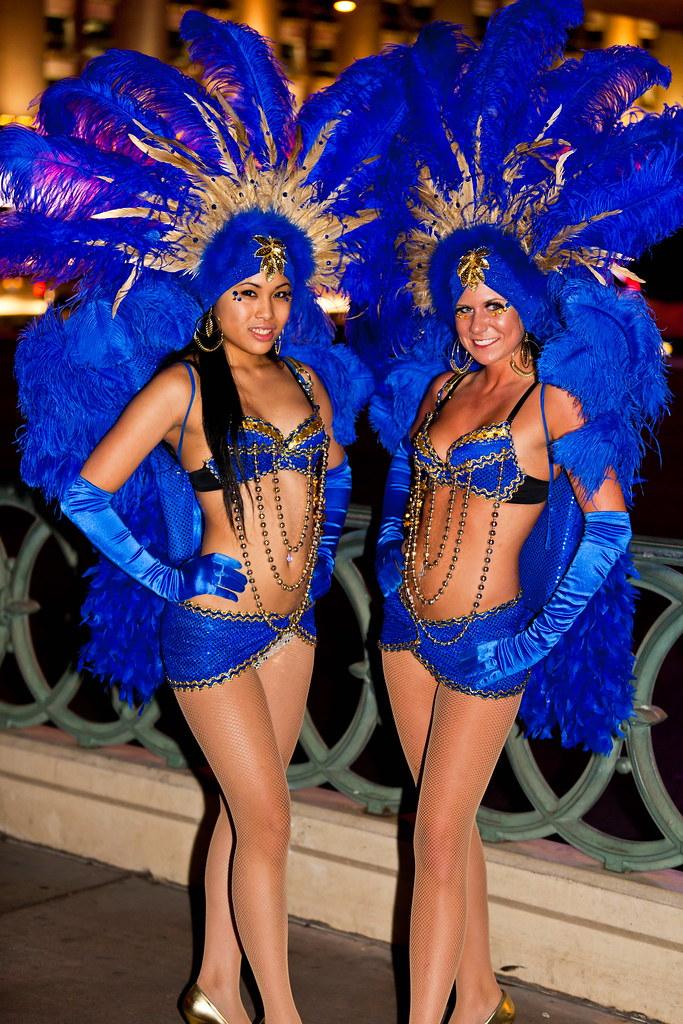 Las Vegas 2011 070  Las Vegas Showgirls On The Strip -1407