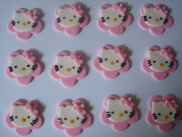 Hello Kitty Cupcake Toppers | Flickr - Photo Sharing!