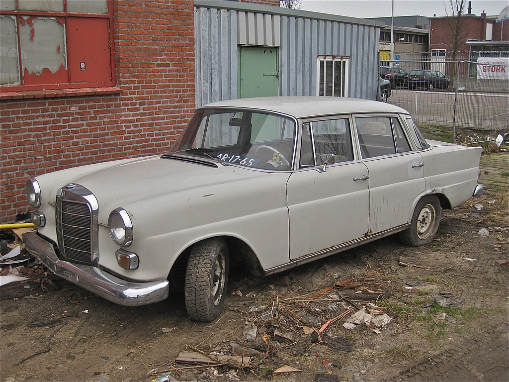 Mercedes benz w110 200d 1967 this was the last for Mercedes benz germany careers