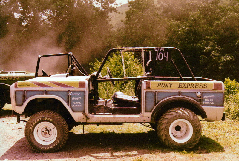 Pony Express Ford Off Road Racing Bronco With Desert Do