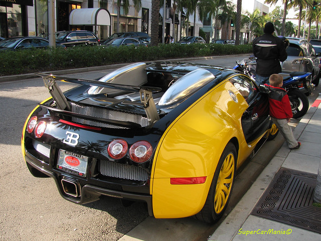 black and yellow bugatti veyron rear flickr photo sharing. Black Bedroom Furniture Sets. Home Design Ideas