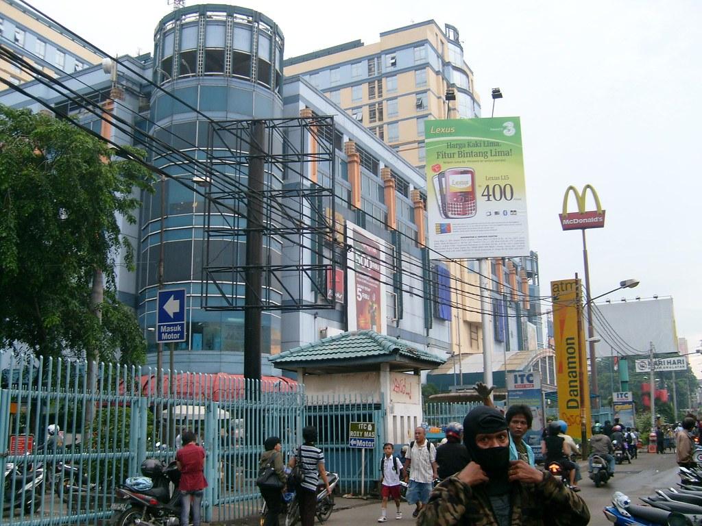 Mau Belanja Murah Di Jakarta  Ini Tempatnya!  d332dc981f