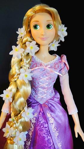 "Disney Store: Tangled Rapunzel 17"" Singing Doll (Hair ..."