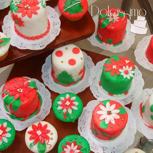 Mini Xmas Cake Designs : christmas cupcakes and minicakes www.dolcissimo.com.ve ...