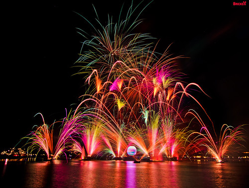 Holiday Illuminations at Epcot | by Tom.Bricker