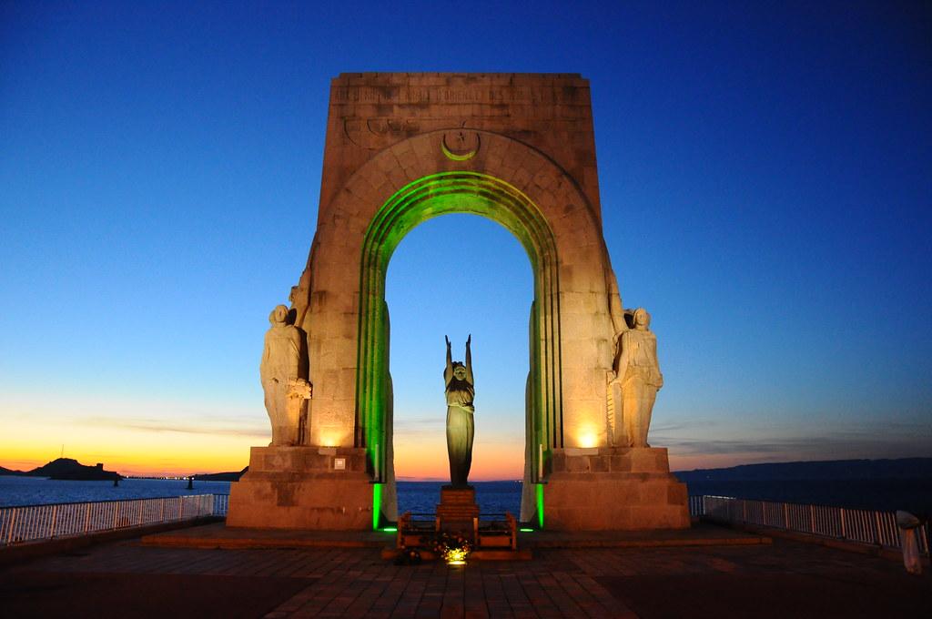 ... La Porte De L 39 Orient Marseille Marseille Eastern Gate For L  Encadrure De La Porte ...