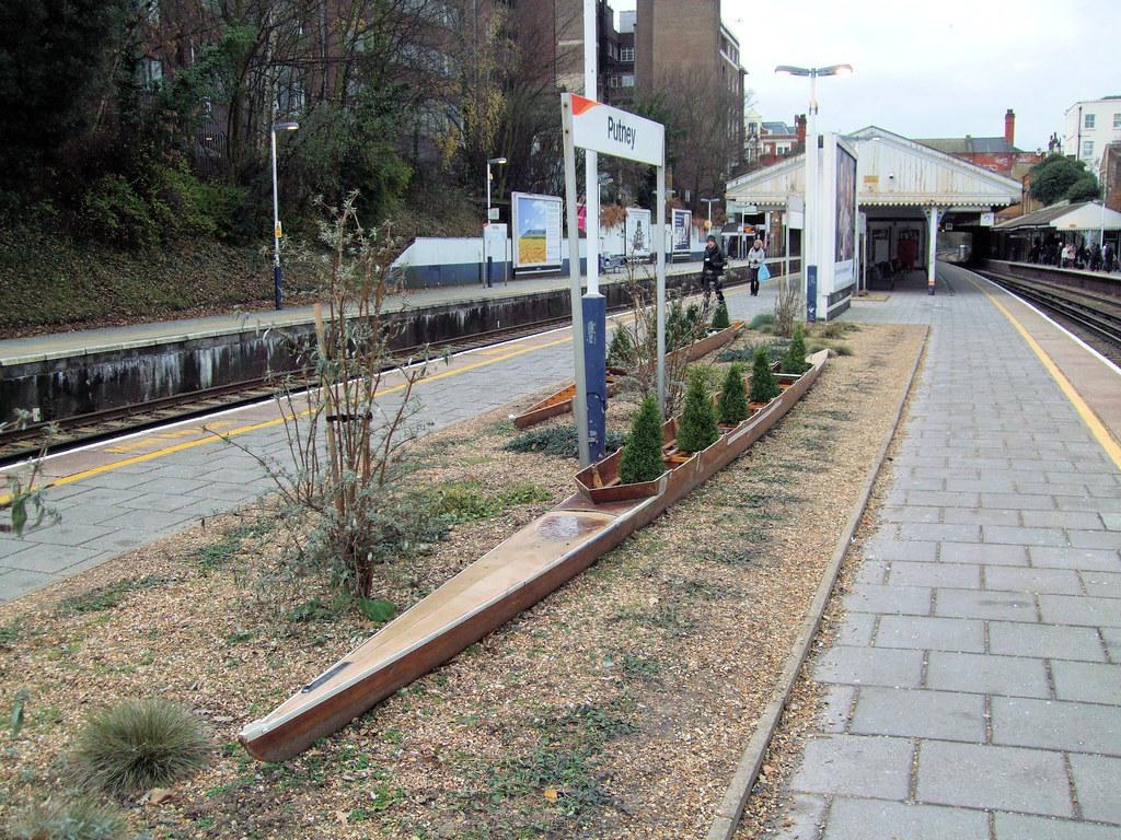 Michael Valentine Memorial Garden Putney Rail Station L