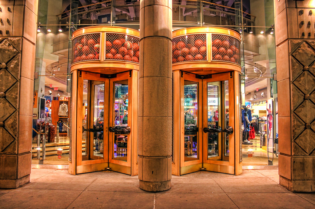 Nba store in new york city if you are a basketball fan for Store fenetre new york