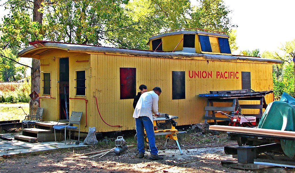 Union Pacific Yellow Spray Paint Brands