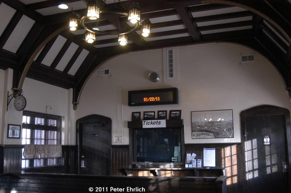 metro north brewster station interior interior of this tud flickr. Black Bedroom Furniture Sets. Home Design Ideas