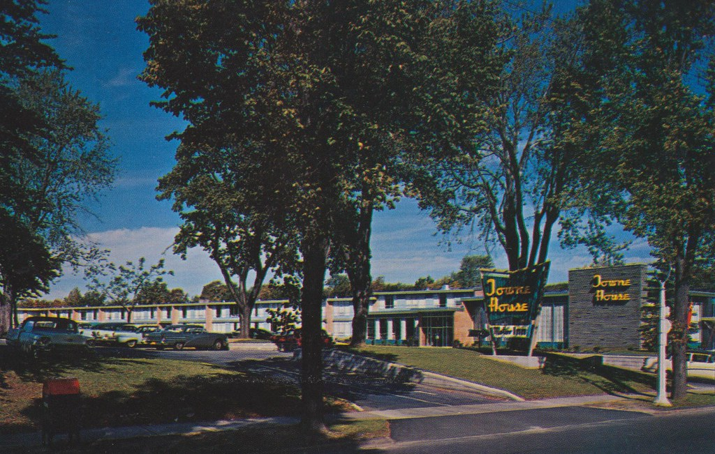 Towne house motor inn rochester new york the for Town house motor inn