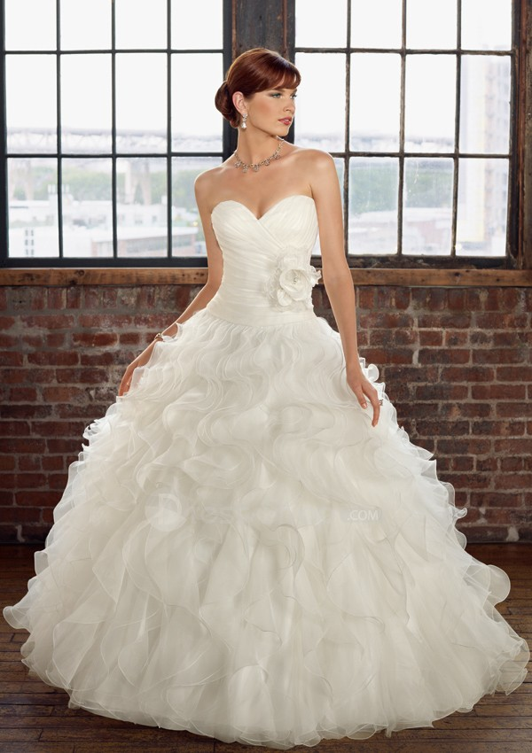 Organza-Strapless-Sweetheart-Neckline-Ball-Gown-Hot-Sell-Corset-White-2011-Bridal-Wedding-Dress