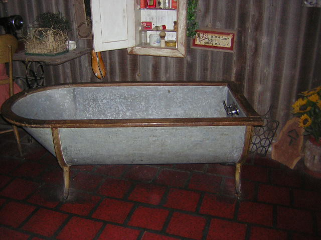 Bathroom shower tub ideas - Old Metal Bathtub Lucille S Roadhouse In Oklahoma Carolyn Flickr